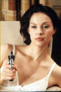 Everybody run... Ashley Judd's gotta gun!