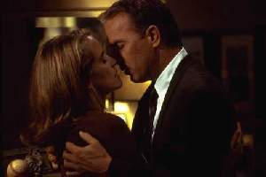 Kelly Preston and Kevin Costner