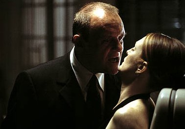 Anthony Hopkins and Julianne Moore